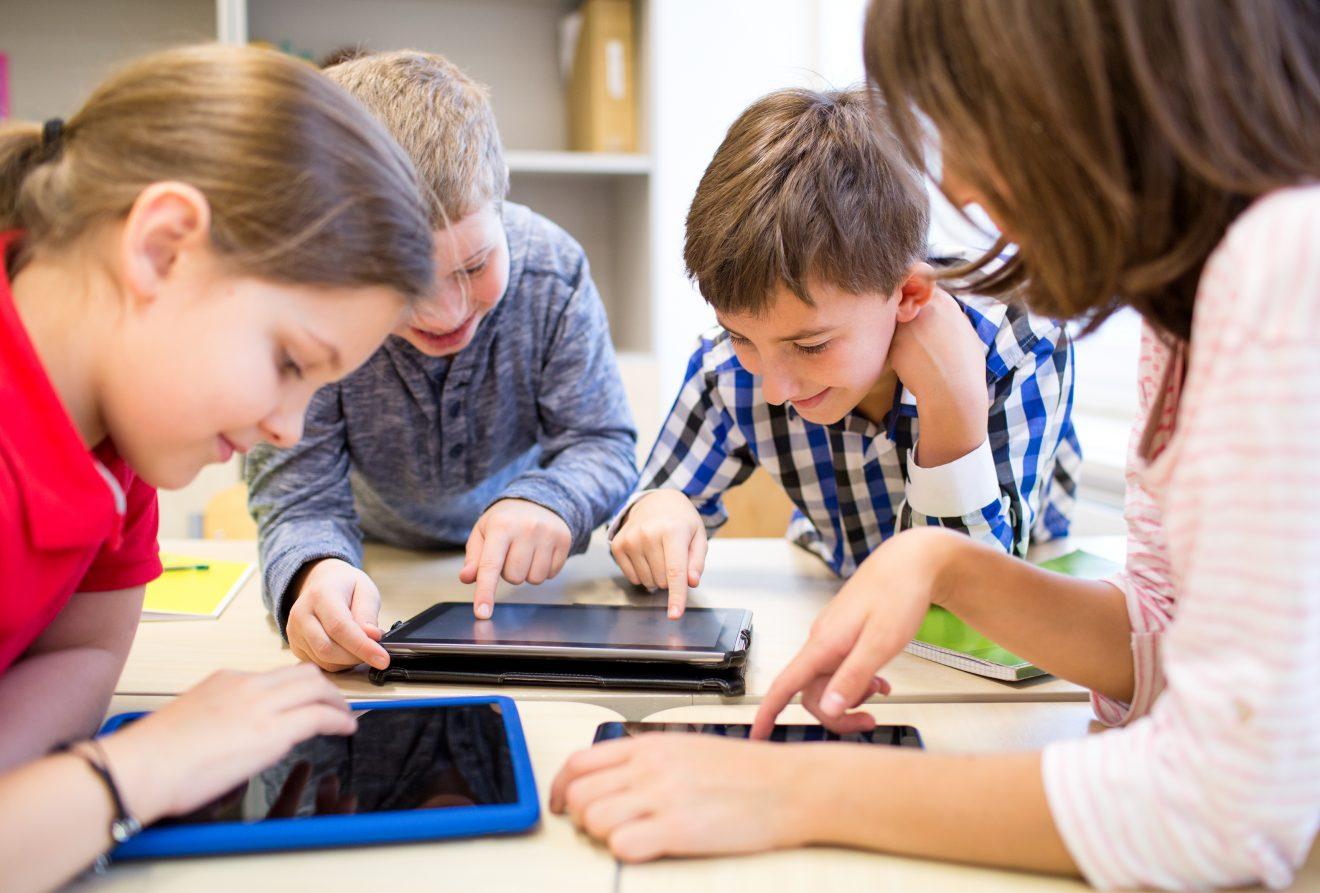 En route vers le Plan d'action numérique en éducation : du soutien pour vos choix d'équipements!